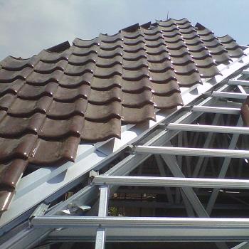 Pemasangan Atap Baja Ringanpemasangan baja ringan,pemasangan atap baja ringan,cara memasang atap baja ringan,cara memasang baja ringan